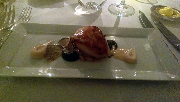 Scallop with truffle and white bean
